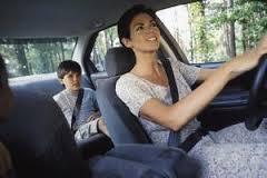 Mulher é mais prudente ao volante