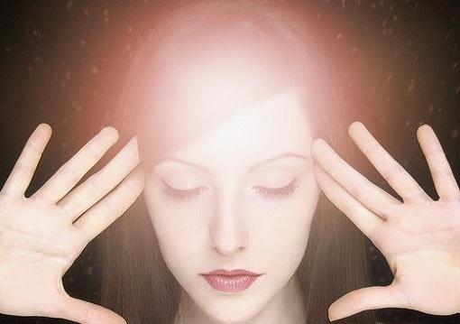 O poder da mente ajuda a atrair um relacionamento saudável