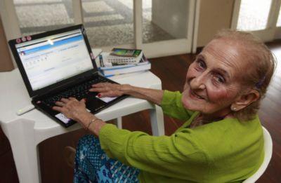 Aos 82 anos, Lúcia vai fazer as provas do Enem