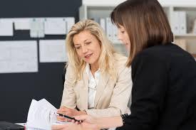 Mulher atraente tem mais dificuldade de conseguir emprego?