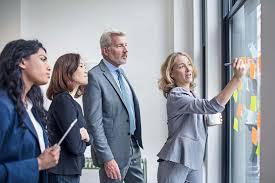 Executivas criam iniciativas para incluir mulheres na liderança de empresas